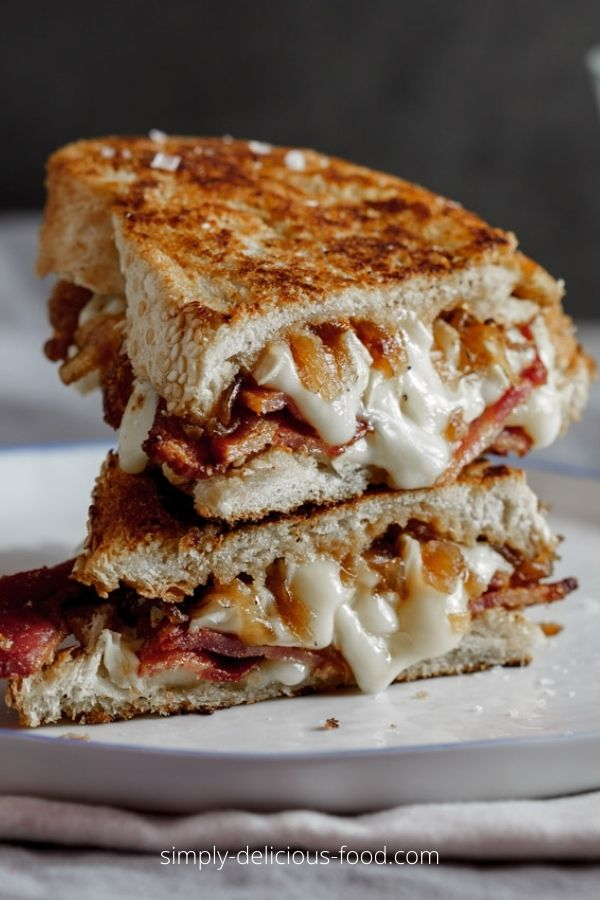 CRISPY BACON BRIE GRILLED CHEESE SANDWICH