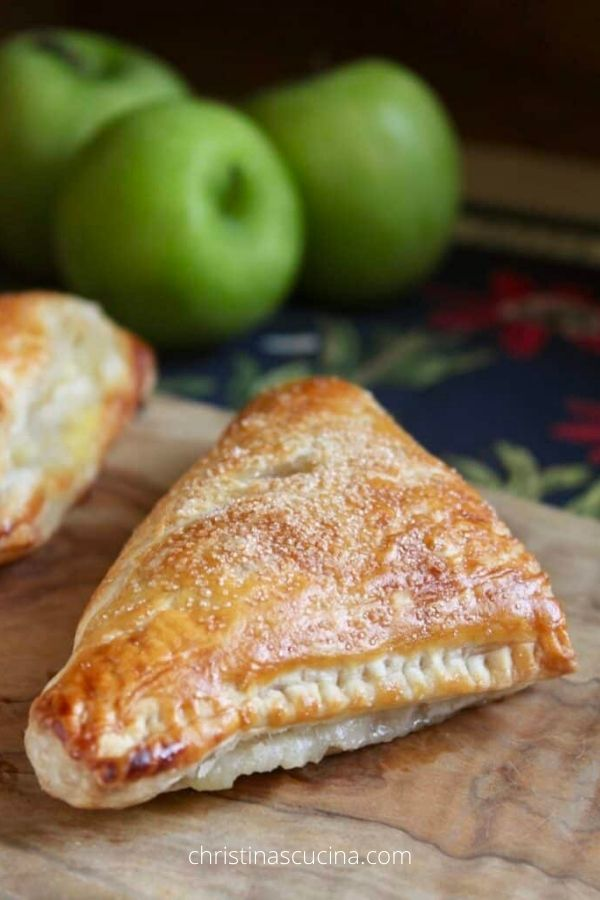 Apple Turnover Recipe (with Puff Pastry)