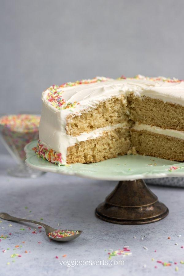 The Best Vegan Vanilla Cake