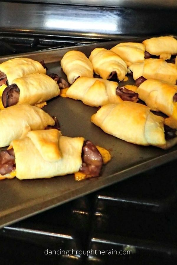 Roast Beef and Cheddar Crescent Rolls