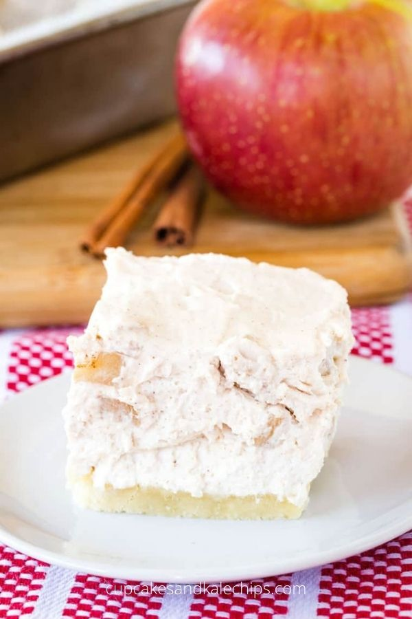 No-Bake Gluten Free Cheesecake Bars with Apples and Cinnamon